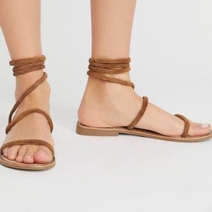Free People NWT Havana wire wrap sandals